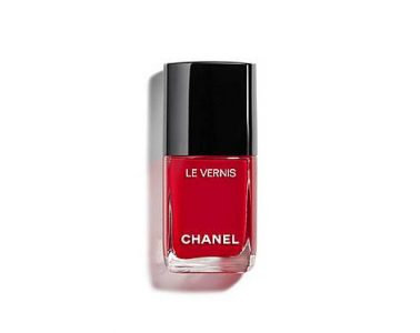 Chanel LE VERNIS Red nails